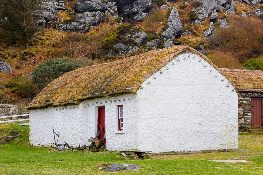 Photo of Donegal Glencolmcille Cottage - M06158