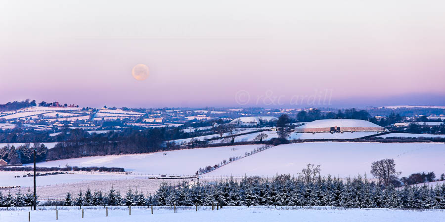 Photo of Meath Hunters Moon over the Boyne Valley - T14210