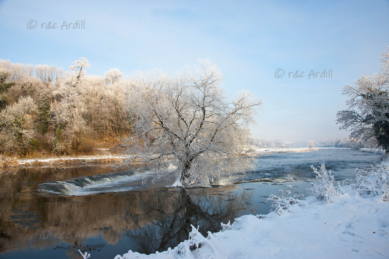 Photo of Meath Boyne Weir in Snow - T14340