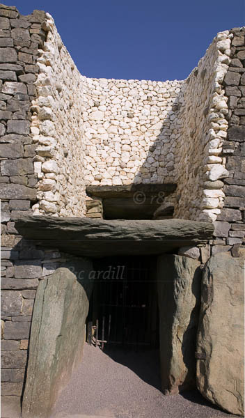 Photo of Newgrange - Entrance - W31606