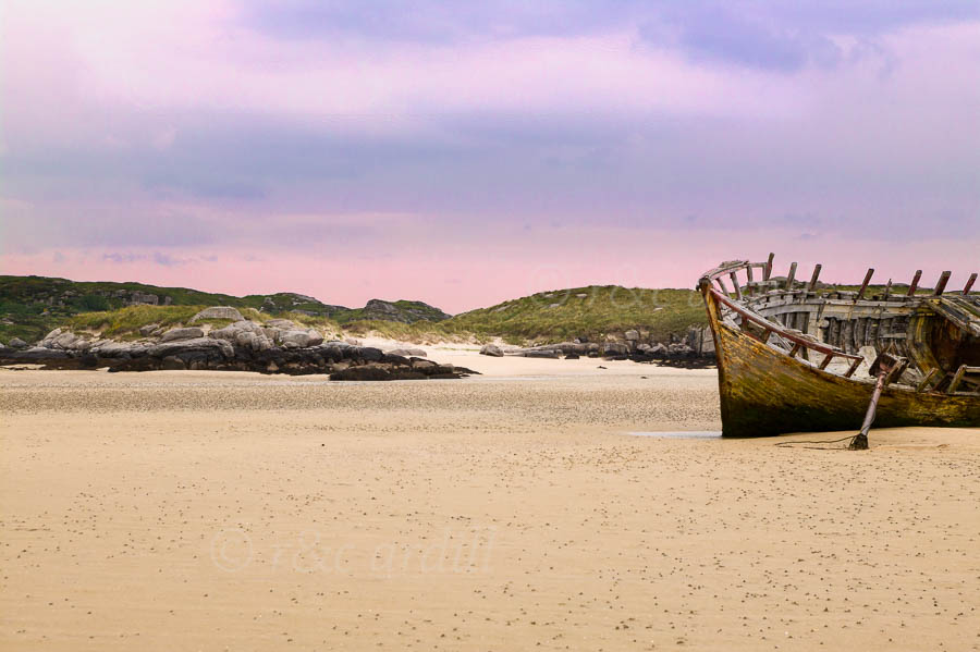 Photo of Donegal Bunbeg boat wreck - W41889