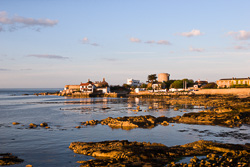 Photograph of Dublin Sandycove at Sunset - M20329