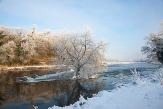 Photograph of Meath Boyne Weir in Snow - T14340