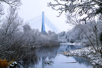 Photograph of Boyne Cable Bridge Winter - W40232